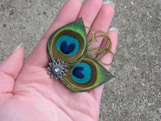 Repinned with love from Shelia Coney ~ boutineer idea?