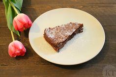 Suussasulava jauhoton mutakakku French Toast, Breakfast, Food, Morning Coffee, Eten, Meals, Morning Breakfast, Diet