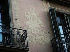 Rambla 116. Barcelona. Esgrafiats de Francesc Soler i Rovirosa. Barcelona 1898