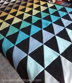 Astounding Sew A Weighted Blanket Ideas. Enchanting Sew A Weighted Blanket Ideas. Amish Quilts, Scrappy Quilts, Scrap Quilt Patterns, Sewing Patterns, Colchas Quilting, Best Weighted Blanket, Queen Quilt, Love Sewing, Sewing Projects