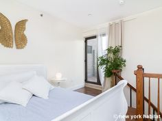 This 1 bedroom 1 bathroom duplex #Manhattan #rental #apartment has a skyline view to die for. Check it out: http://www.nyhabitat.com/new-york-apartment/furnished/16334
