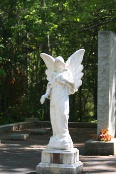 The haunted cemetery at Vereen Memorial Historical Gardens #MYRDreamVacation