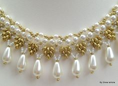 Princess Statement Necklace, Pearl Woven Necklace, Handwoven Pearls necklace, Bridal Jewelry, Renaissence, Elegant, Graceful Necklace