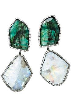 Rock & royal: emeralds and moonstones.  A special collaboration. Vogue.