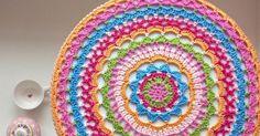 Doily...  Van verschillende kanten kreeg ik de vraag naar het patroon van de doily. Omdat ik maar wat deed heb ik het patroon acht...