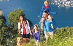Familie – Entspannung offline... Wahre Entspannung finden wir direkt vor unserer Haustüre – nahe den Bergen, nahe dem See. Entdecken Sie unsere atemberaubende Landschaft und darin die Wurzeln wahren Wohlgefühls! Ihre Alpenhaus Pauschale auf einen Blick: 7 Übernachtungen in einem unserer Doppe…