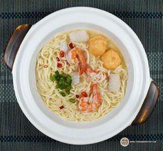 #1953: Prima Taste Singapore Fish Soup La Mian - The Ramen Rater tries this elusive instant noodle from Singapore