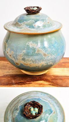 Bird's Nest ceramic keepsake box from Lee Wolfe Pottery