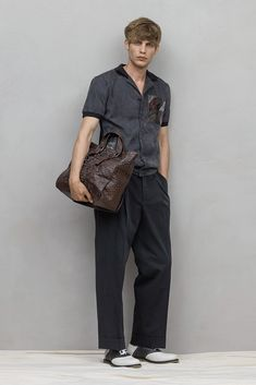 cuban collar shirt with ripped sleeve cuffs | Bottega Veneta Spring 2017 Menswear Fashion Show