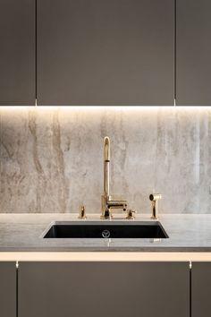 Open Plan Kitchen Living Room, Kitchen Room Design, Kitchen Time, Modern Kitchen Design, Home Decor Kitchen, Kitchen Interior, Stone Kitchen, Gold Kitchen, Küchen Design