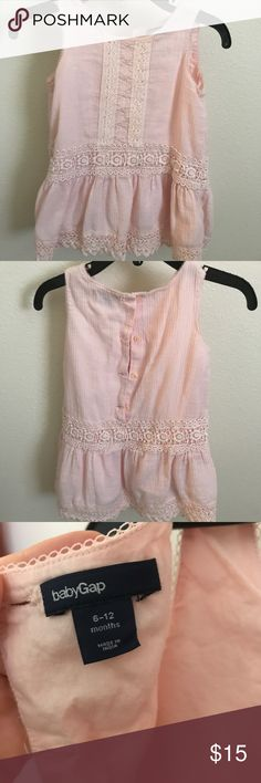 Beautiful little girl dress size 6-12M Beautiful Baby Gap dress for the summer! It's in great condition, has no rips or stains and comes with a set of bloomers! Dresses Midi