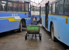 New #India buses have #safety features for #women !!!! After multiple incidents, Delhi government has launched new buses with #securitycamera, GPS system and panic button for #womensafety in public transport. Read detail article on : snip.ly/3m8u4
