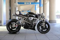 "RocketGarage Cafe Racer: XG750TURBO ""Street Fighter"""
