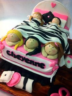 Best Slumber Party Ever Cake! Cake made for Cheyenne's first slumber party! She requested hot pink and zebra print as her color scheme. Bachelor Party Kuchen, Bachelor Party Cakes, Teen Cakes, Girl Cakes, Fondant Figures, Sleepover Cake, Birthday Cakes For Teens, Cake Birthday, 8th Birthday