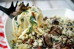 Grilled steak over fettuccine alfredo tossed with fresh spinach and Gorgonzola cheese; Asian Recipes, Beef Recipes, Cooking Recipes, Healthy Recipes, Weeknight Recipes, Grilled Steak Recipes, Grilled Meat, Grilled Steaks, Fast Recipes