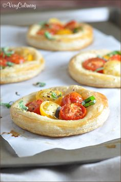 These tomato and basil puff pastry tarts are fresh, light, and delicious. They're incredibly easy, but look so fancy with Pepperidge Farm. Pastry Dough Recipe, Puff Pastry Dough, Puff Pastry Recipes, Choux Pastry, Shortcrust Pastry, Mini Pizza, Appetizer Recipes, Appetizers, Finger Foods