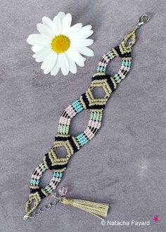 Micro macrame bracelet. Linen polyester yarn, miyuki. Boho chic style.