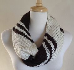 This is a perfect quick knit cowl!