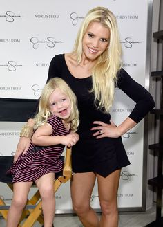 Jessica Simpson and her daughter Maxwell <3