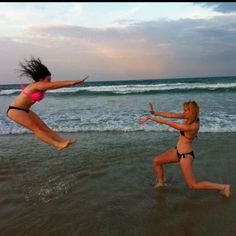 Cool Beach Pictures With Friends Images