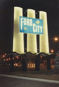 How many HOURS did I spend there?! #chicago #fordcity #shoppingcenters