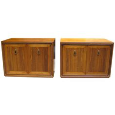 1stdibs.com | A Pair Of Walnut And Rosewood Renzo Rutili Bedside Cabinets C. 1950's nightstand