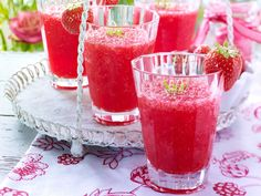 Erdbeerbowle - fruchtig-prickelndes Vergnügen - erdbeer-cocktail  Rezept