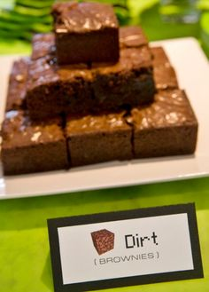 Minecraft Party Food Dirt Brownies More For snack table Memes Minecraft, Craft Minecraft, Diy Minecraft Birthday Party, Minecraft Party Food, Minecraft Party Decorations, 9th Birthday Parties, Minecraft Cake, Birthday Games, 7th Birthday