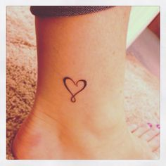 Could be a matching sisters tattoo. Inner Ankle Tattoos, Cute Ankle Tattoos, Ankle Tattoos For Women, Tattoos For Women Small, Cute Tattoos, Small Tattoos, Sibling Tattoos, Baby Tattoos, Sister Tattoos