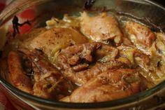 A hús mennyei, puha és ízletes, ezt ki kell próbálnotok! Hozzávalók: 1 csirkemell 2 csirkecomb 1 hagyma 6-7 gerezd fokhagyma 1 paprika friss rozmaring csipetnyi kakukkfű só, bors olaj Elkészítése: A húsokat fűszerezzük és egy jénaitálba... Vitamins, Protein, Pork, Mint, Kale Stir Fry, Pork Chops