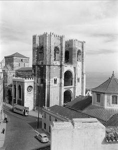 Sé de Lisboa, Portugal by Biblioteca de Arte-Fundação Calouste Gulbenkian, via Flickr