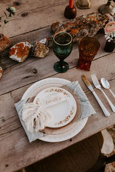 Mist Marble Napkins patterned napkins on a rustic wood farm table. Designed by Lucky Burro, Image by Red Poppy Photography, Flowers by Helianthus Floral #helianthusfloral