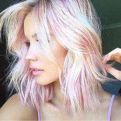Platinum Pink We need credits for this hot beauty image. Do you know? #hotonbeauty #hairporn #blondies