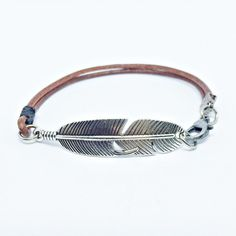 Pulseira Masculina Couro Indiano Pena Prata Envelhecida mens bracelets style fashion cocar brasil