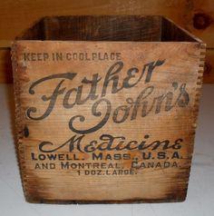 Americana Wood US-Northeast Antique Primitives Vintage Crates, Old Crates, Vintage Trunks, Vintage Ads, Vintage Decor, Wooden Crate Boxes, Wood Boxes, Metal Baskets, Shipping Boxes