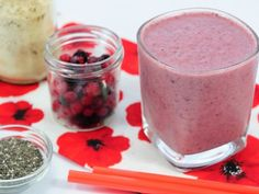 Mrazivě lahodné smoothie Nutribullet, Smoothies, Panna Cotta, Food And Drink, Fresh, Drinks, Ethnic Recipes, Desserts, Smoothie