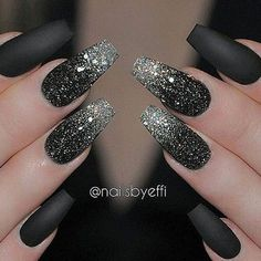 Glitter nail art designs have become a constant favorite. Almost every girl loves glitter on their nails. Have your found your favorite Glitter Nail Art Design ? Beautybigbang offer Glitter Nail Art Designs 2018 collections for you ! Black Nails With Glitter, Black Nail Art, Glitter Nail Art, Matte Black, Black Manicure, Black Art, Black Silver Nails, Pink Glitter, Black Polish