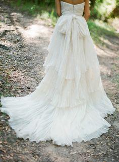 Dreamy wedding dress with bow & vintage train