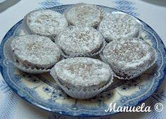* Delícias e Companhia *: Donas Amélias - O Doce da Rainha  Portuguese cupcake with raisins and spices.  Love these.  Hope this translates well.