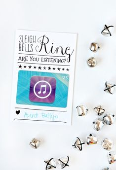 Love this packaging idea for giving an iTunes Gift Card for #Christmas via @PagingSupermom