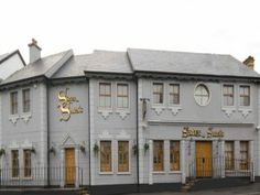 Sister Sara's Nightclub - Sister Sara's is renowned for its Hen Parties. With a mix of music and atmosphere to beat any, they make a hen night an occasion. Hens Night, Nightclub, Parties, Mansions, House Styles, Music, Mansion Houses, Fiestas, Manor Houses