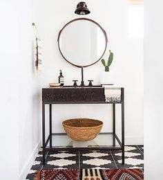 We'd love to look into this round mirror every morning #regram @amberinteriors @tessaneustadt