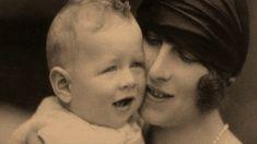 Ora Regelui: Regina-Mamă Elena. Iubirea şi trădarea lui Carol al II-lea ...