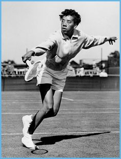On Althea Gibson, American player and the first African American to win a Grand Slam title, was born in Clarendon County, SC. Althea Gibson, American Tennis Players, Super Images, Female Hero, Tennis Stars, African American History, Native American, Play Tennis, Sports Pictures