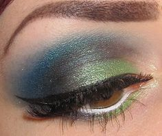 Blue/green eye makeup