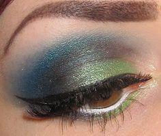 Blue/green eye makeup