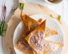 Samossas à la betterave et à la féta : http://www.fourchette-et-bikini.fr/recettes/recettes-minceur/samossas-a-la-betterave-et-a-la-feta.html