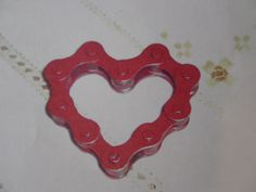How to Make a Valentine Out of Bicycle Chain