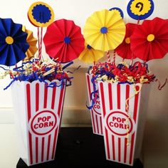 Birthday Table Decoration - celebrate the birthday really nice! Carnival Party Centerpieces, Carnival Decorations, Birthday Table Decorations, Carnival Themed Party, Birthday Centerpieces, Carnival Birthday Parties, Circus Birthday, Birthday Party Themes, Vintage Centerpieces