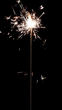 Sparkler , cellphone android iPhone background wallpaper lock screen, New Year's Eve or Fourth of July or wedding Tumblr Wallpaper, I Wallpaper, Trendy Wallpaper, Phone Backgrounds, Wallpaper Backgrounds, Marquee Lights, Foto Art, Sparklers, Belle Photo